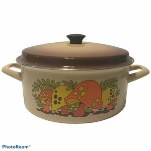 Vintage Merry Mushroom Enamelware Dutch Oven/Stock